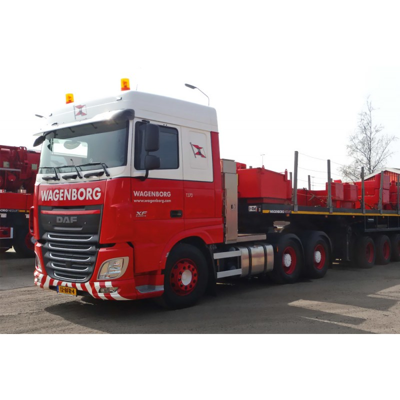 Wagenborg DAF XF105 SpaceCab 6x4 with Nooteboom Ballasttrailer 6 axle