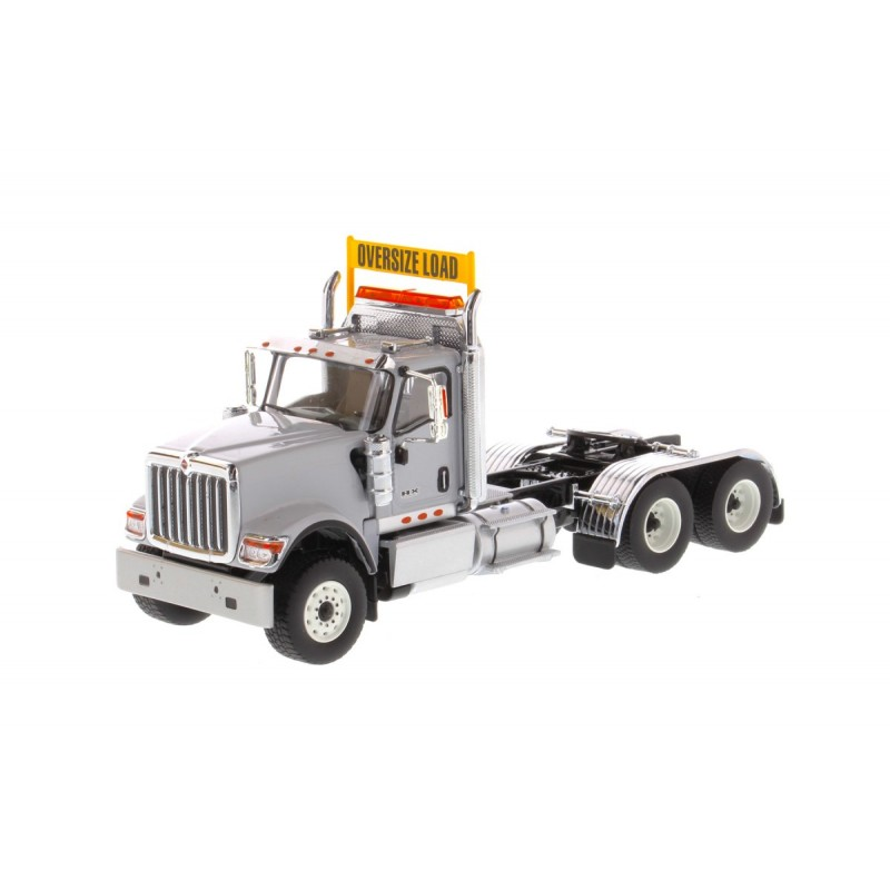 International Hx520 Tandem Tractor Light Grey