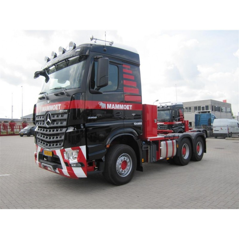 Mammoet Mb Arocs 6X4 + 8 Axle Semi Low Loader + Ltm 11200 Saddles