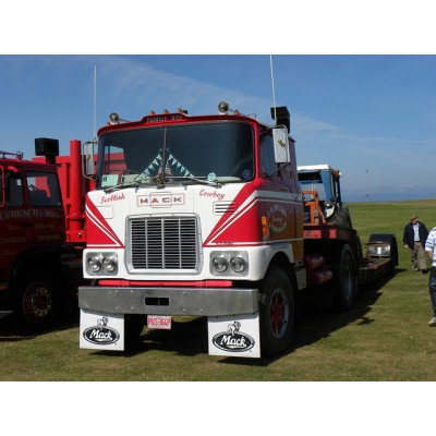 Frankie Wilson Mack F700 4X2 Tractor Unit