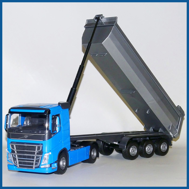 Volvo FH04 4x2 Blue Cab With 3 Axle Tipper Trailer 1:25 Scale
