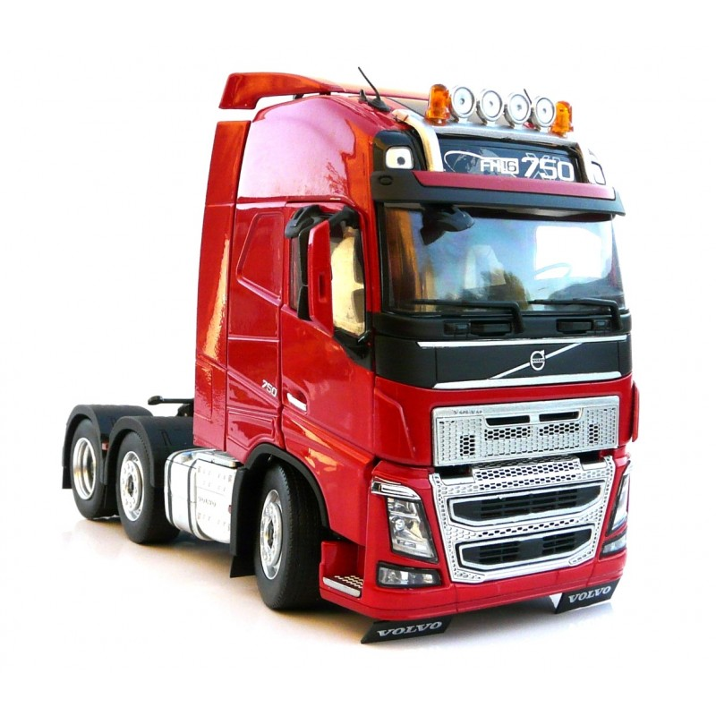 Volvo FH16 3 Axle Tractor Unit 1:32 Scale - Red