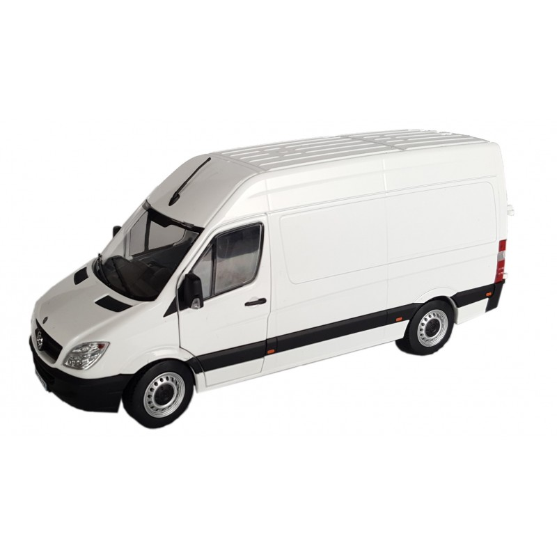Mercedes-Benz Sprinter white  1:32 Scale