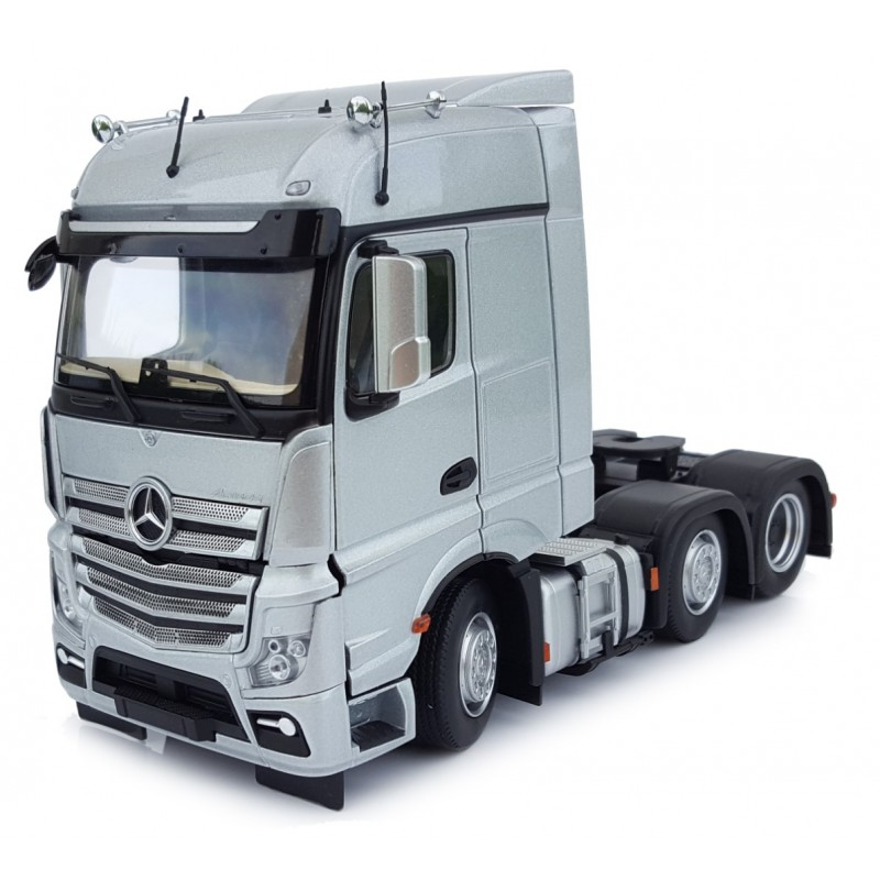Mercedes-Benz Actros Bigspace 6X2 Silver 1:32 Scale