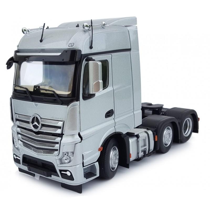 Mercedes-Benz Actros Bigspace 6X2 Silver 1:32 Scale