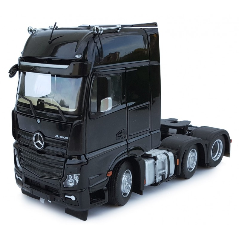 Mercedes Benz Actros Gigaspace 6X2 Black 1:32 Scale